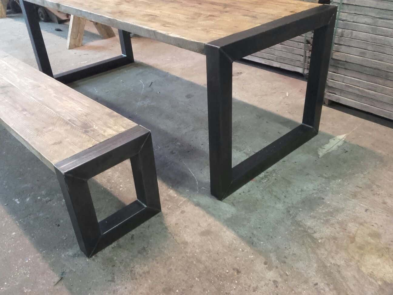 Tafel Stalen Poten : Eiken tafel stalen frame. latest bar tafels with eiken tafel stalen