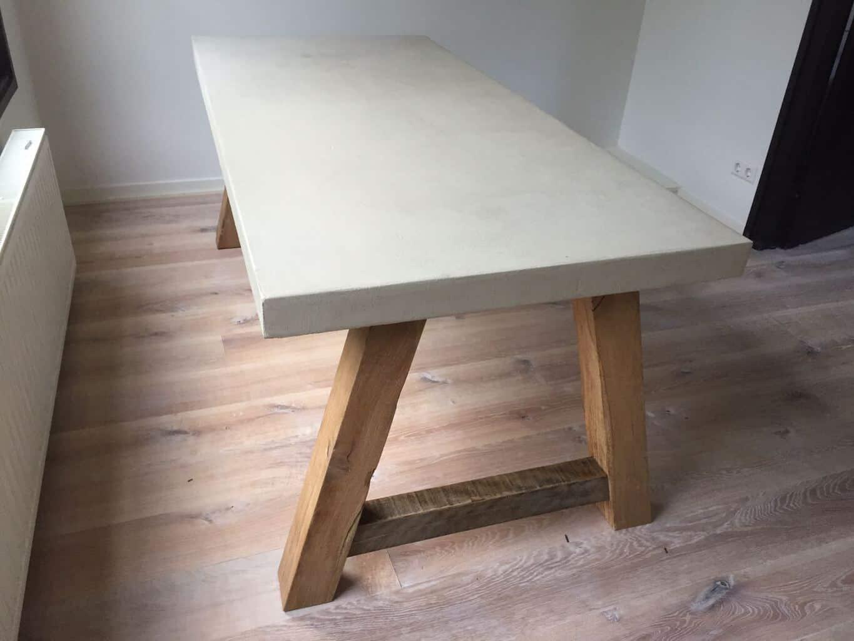 Beton tafel geheel op maat gemaakt woodindustries voor for Tafel op maat