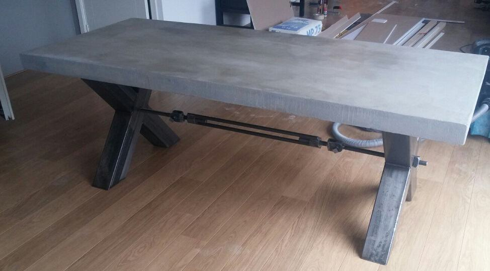 betontafel geheel op maat gemaakt - woodindustries voor unieke tafels