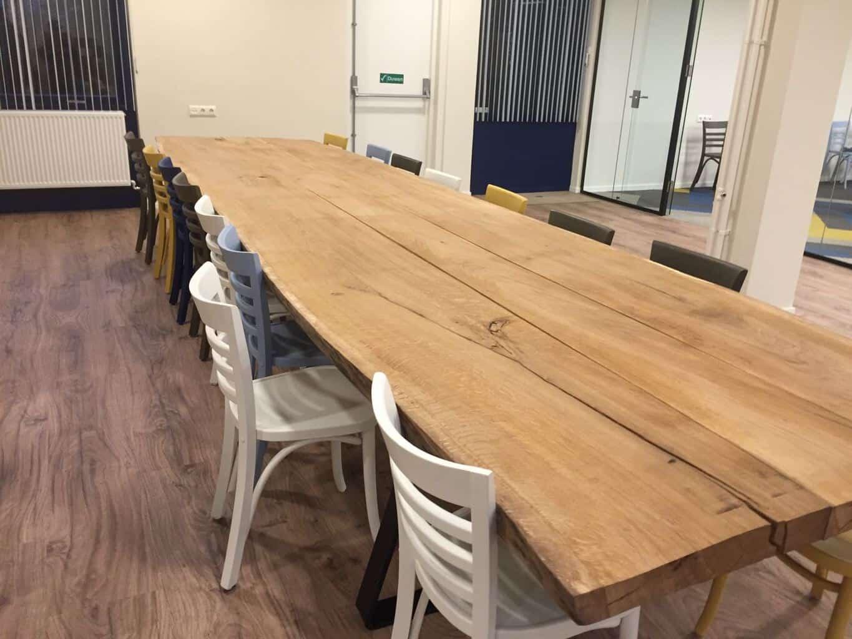 https://www.woodindustries.nl/wp-content/uploads/2016/12/lange-boomstamtafel-kantoor.jpg