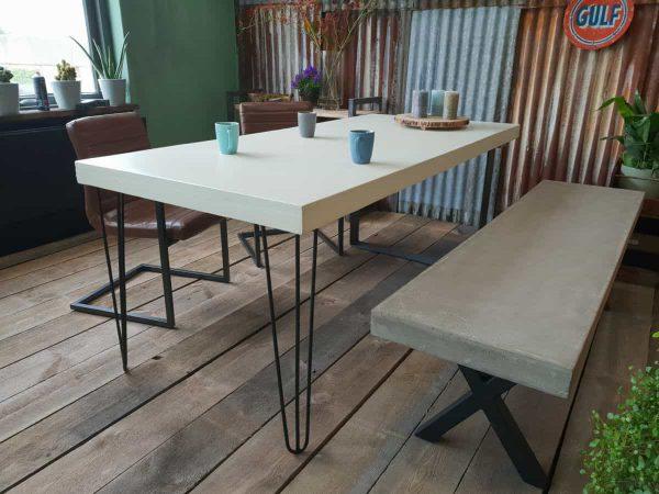 Handgemaakte betontafel