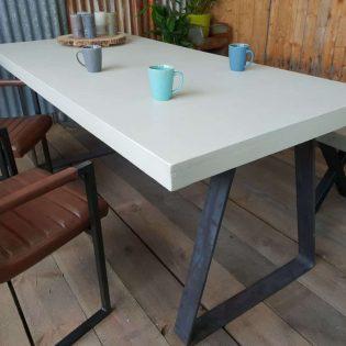 Betoncire tafel
