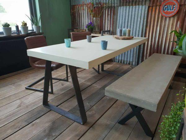 Custom tafel beton