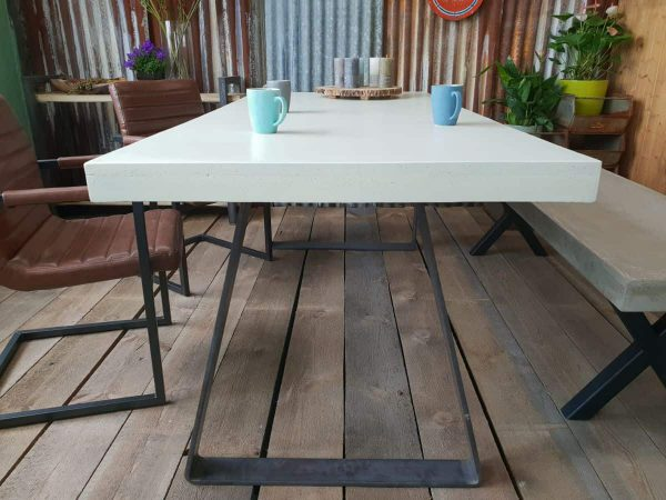 Custom tafel betoncire