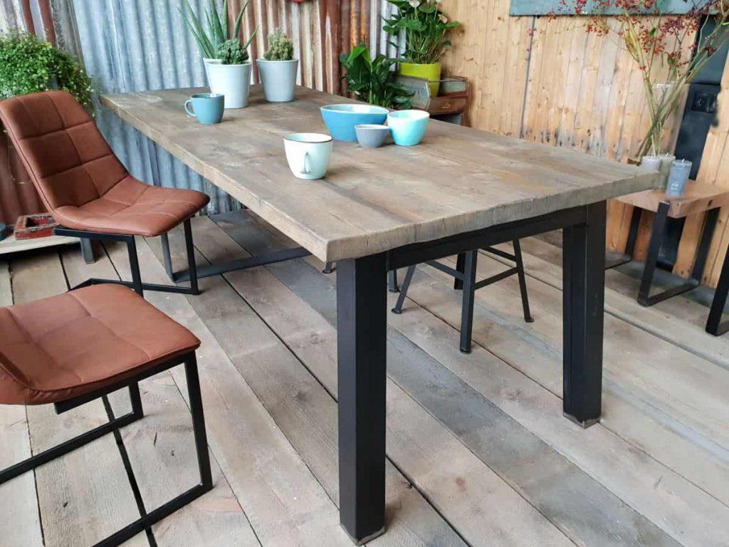 Industriele tafel met N-Poot