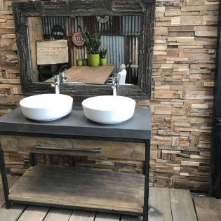 Badkamermeubel met metalen frame