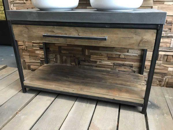 Geleefde houten badkamermeubel