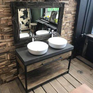 Stoere maatwerk badkamermeubel