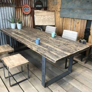 Op maat gemaakte wagonhouten tafel