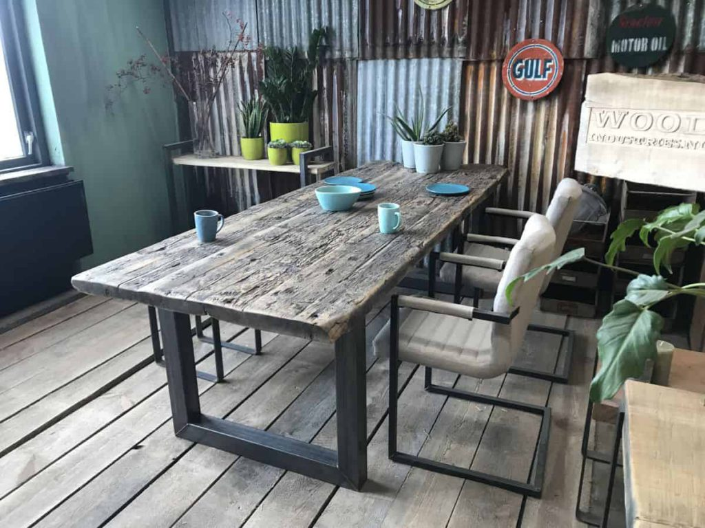 wagonhouten tafel rotterdam
