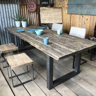 Wagonhouten tafel u poot