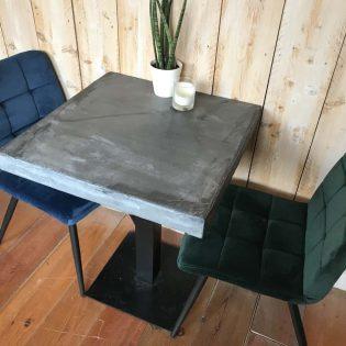 betonnen horecatafel