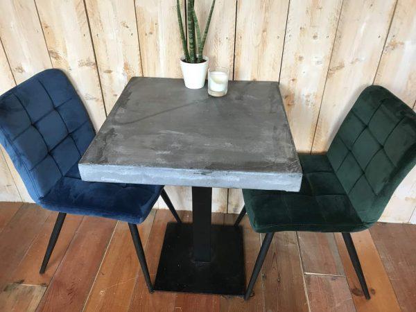 betonnen bistrotafel 80x80