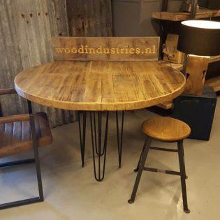 Robuuste ronde oud gebinten tafel