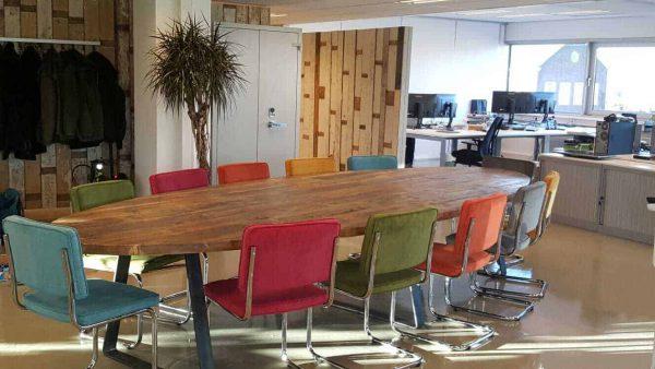 Robuuste vergadertafel ovaal 4.5 meter (14-16 personen)