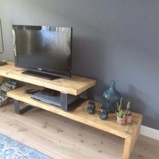 Oud-gebinten tv-meubel