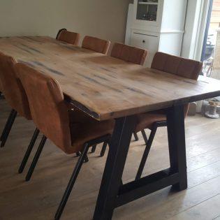 Eiken wagonhouten tafel