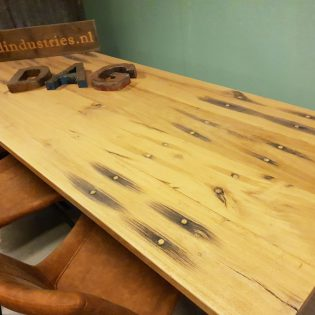 Eiken wagonhouten eettafel - Den Bosch