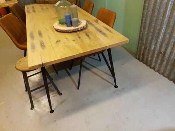 Eiken wagonhouten robuuste tafel - Zwolle