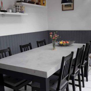 Lichte betontafel