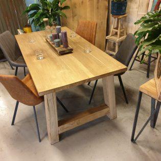 eiken tafel robuust - Almere