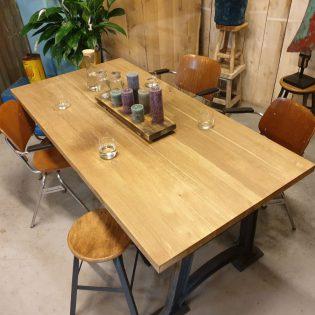 eiken tafel robuust - Den Haag