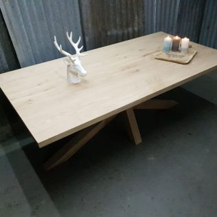 Eikenhouten tafel robuust Den Bosch