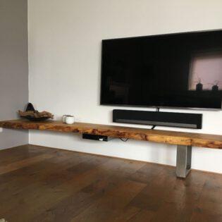 Boomstam tv-plank