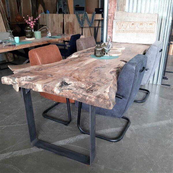 Unique treetop table - Gouda
